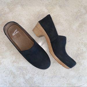 Dansko's size 41 women's black shoes